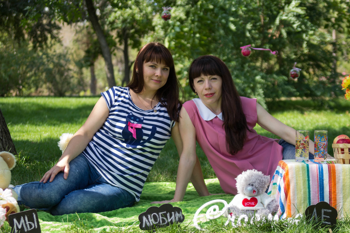 Две подружки - Valentina Zaytseva