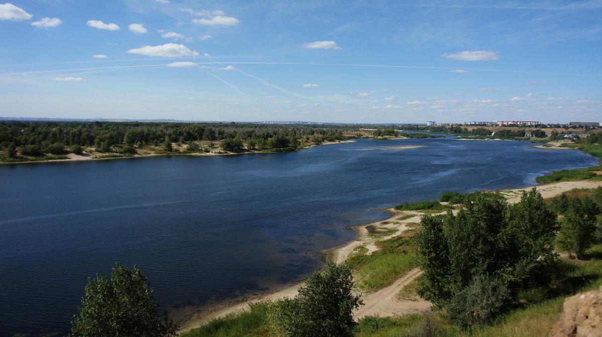 Вольных рек крутые берега... - Владимир Насыпаный