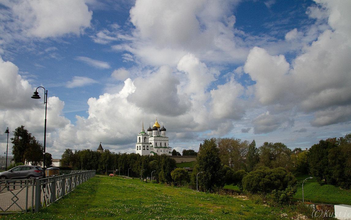 Псков в облаках - Валентина Ломакина