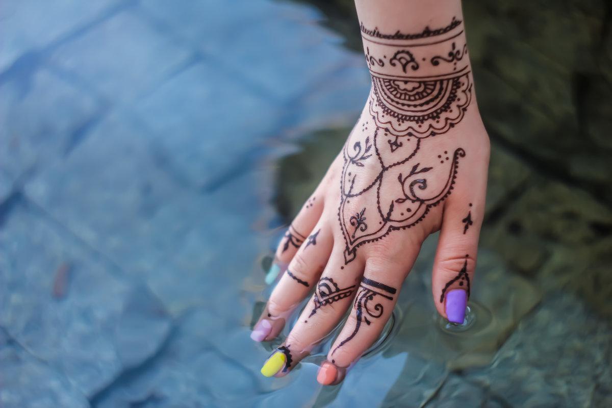 Henna - Айан