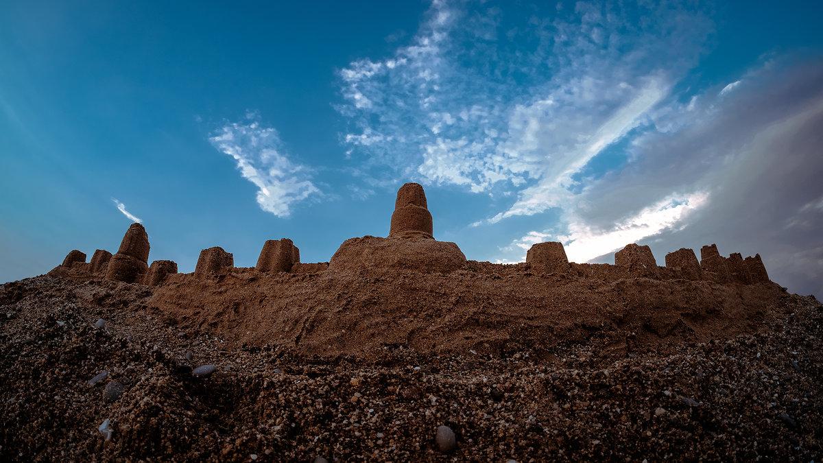 Песчаный замок - Игорь Емельянов