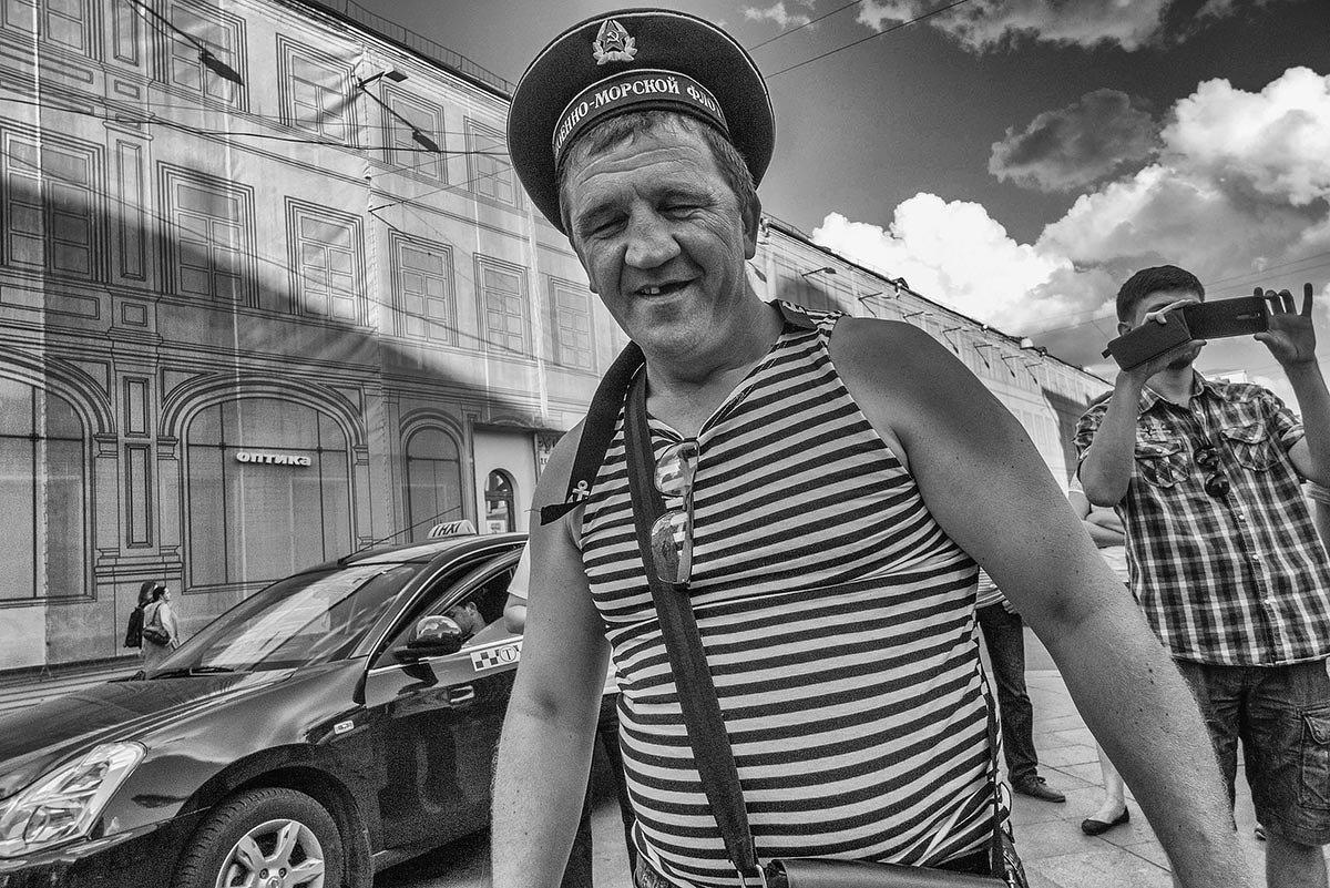 Ты, моряк, красивый сам собою! - Ирина Данилова