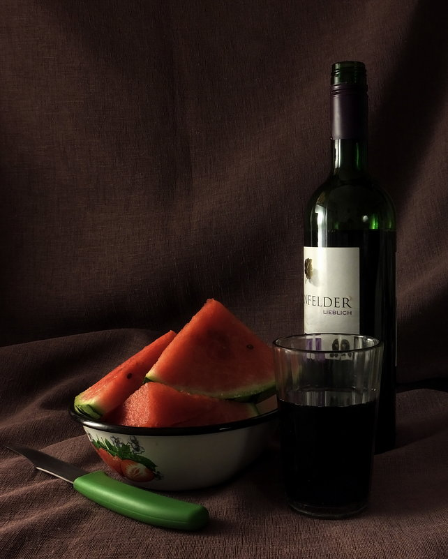 Арбуз с вином... - Владимир Секерко