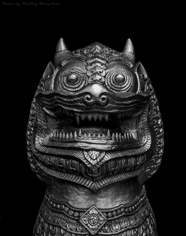 Камбоджийская статуя - Дмитрий Малышев
