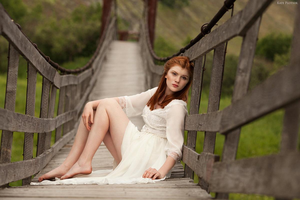 Девушка на мосту - Kate Plotnik