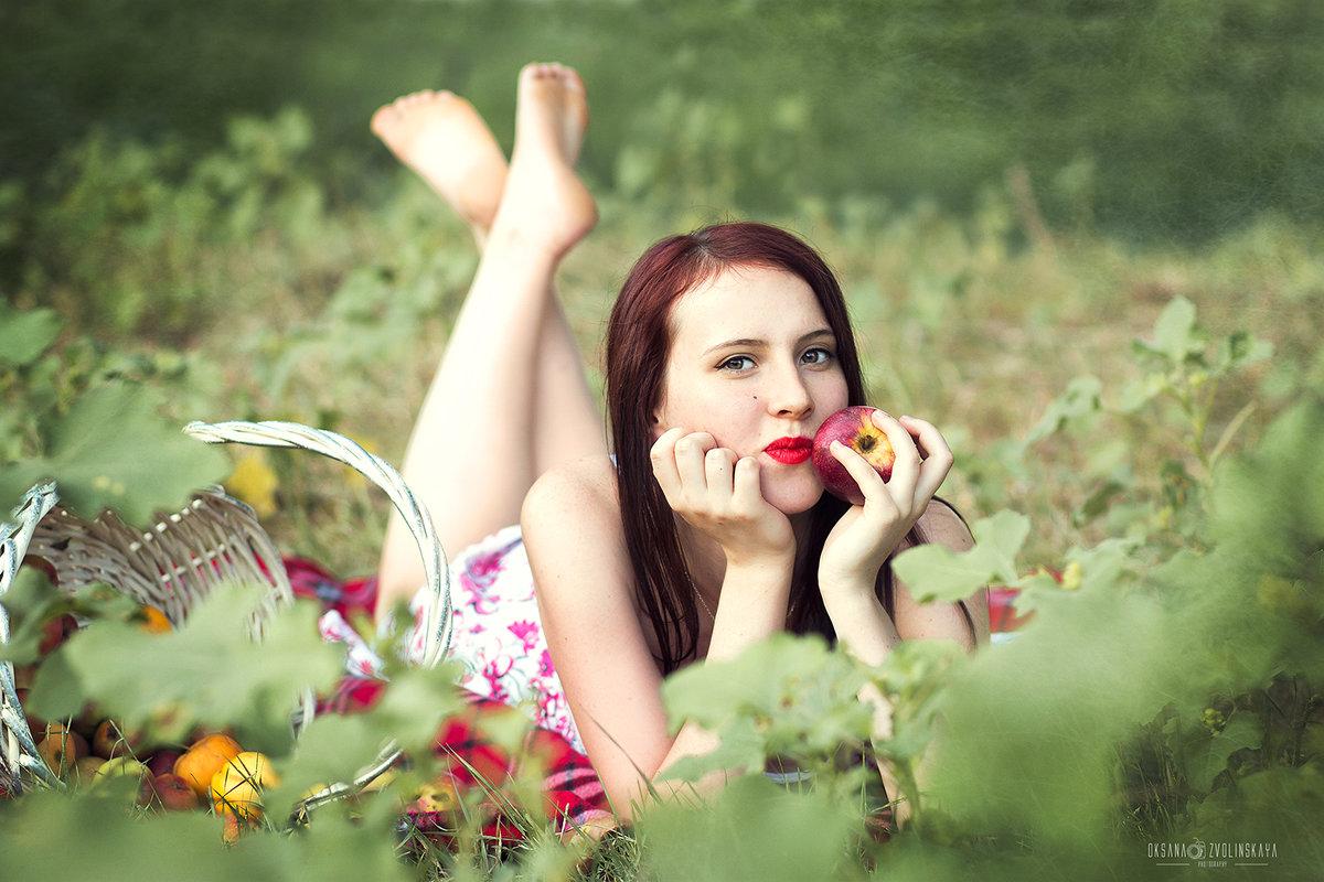 Яблочный спас - Оксана Зволинская