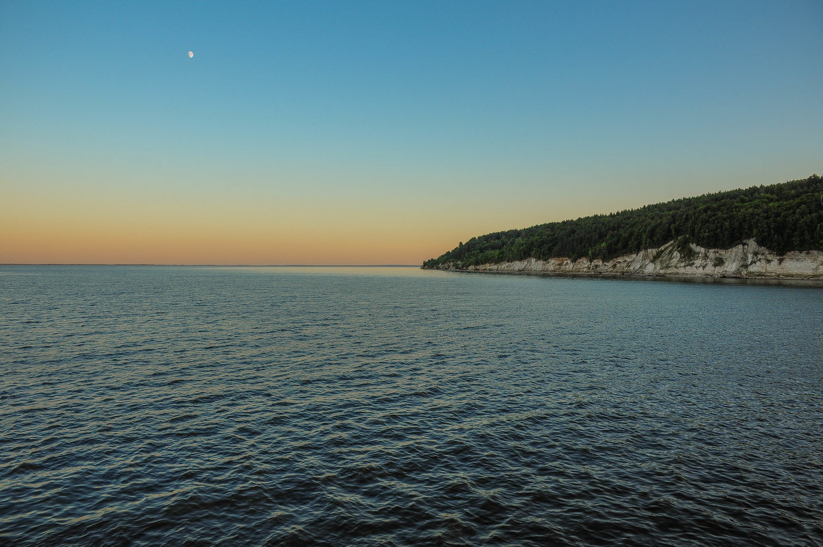 Берег реки на закате - Сергей Тагиров