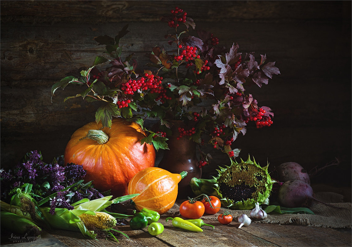 Натюрморт с осенними овощами и калиной - Ирина Лепнёва