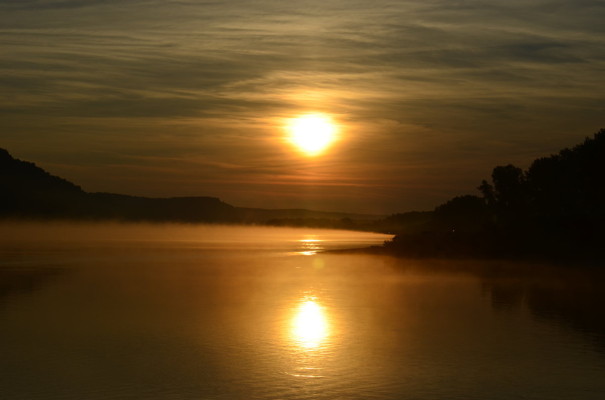 Рассвет на реке - Алексей