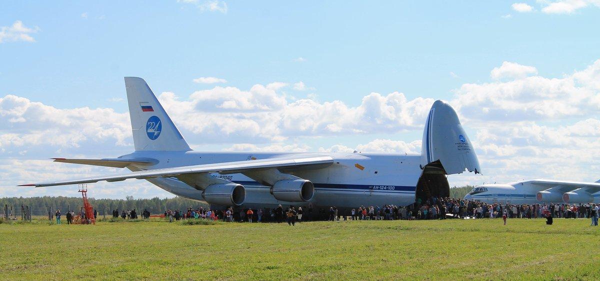 Самолет Ан-124-100 «Руслан» - Анастасия Яковлева