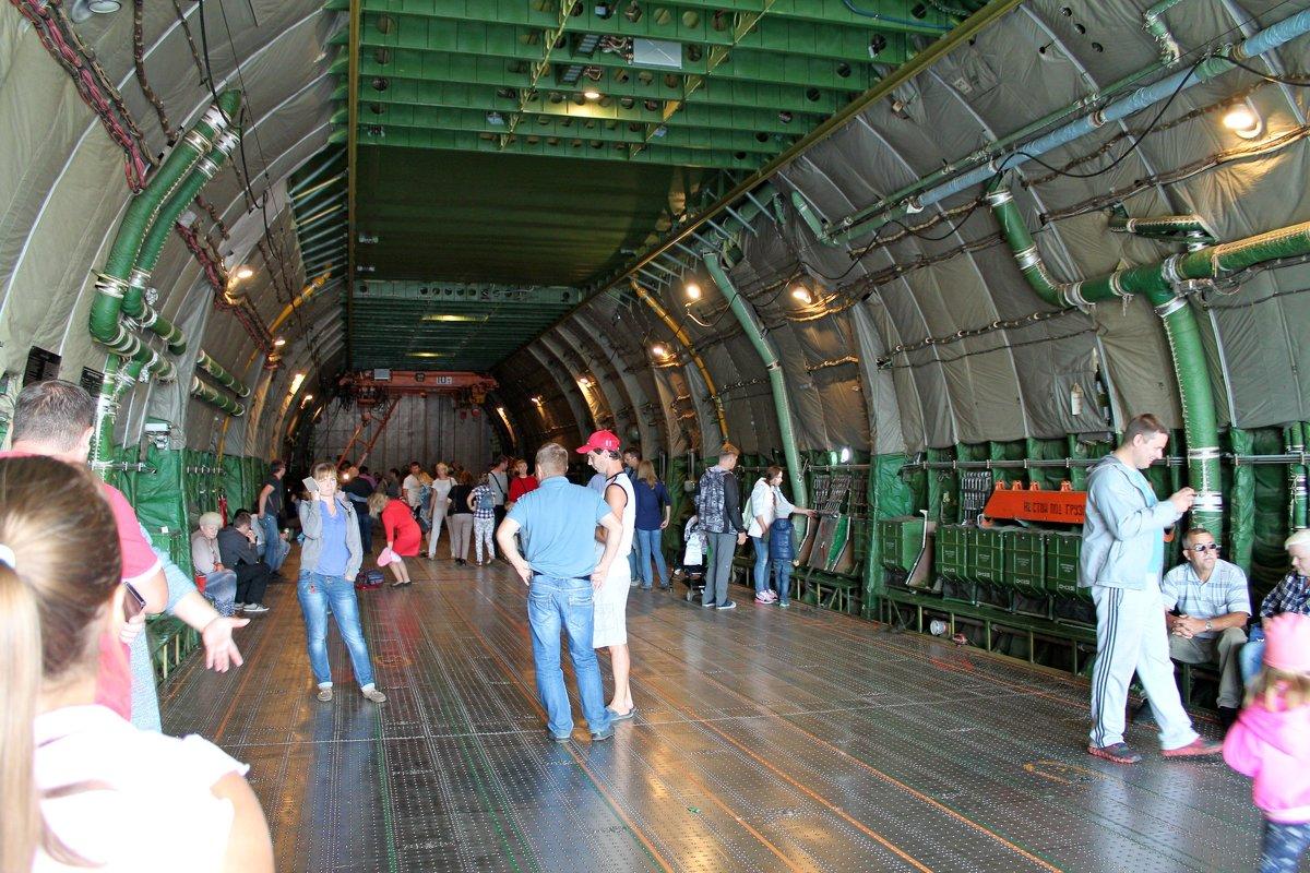 Грузовая кабина самолета Ан-124-100 «Руслан» - Анастасия Яковлева