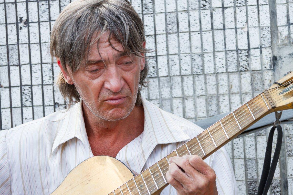 ...my guitar gently weeps... - Дмитрий Сиялов