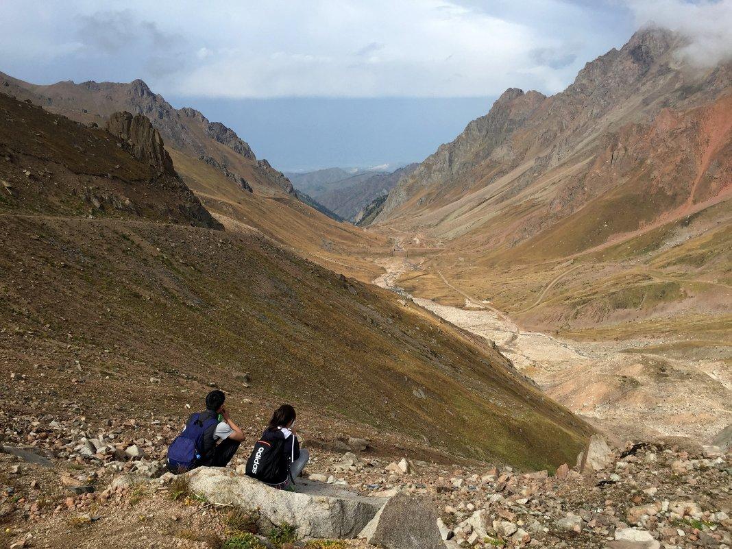 Горы - это отличное место, где можно проверить дружбу на прочность. - Anna Gornostayeva