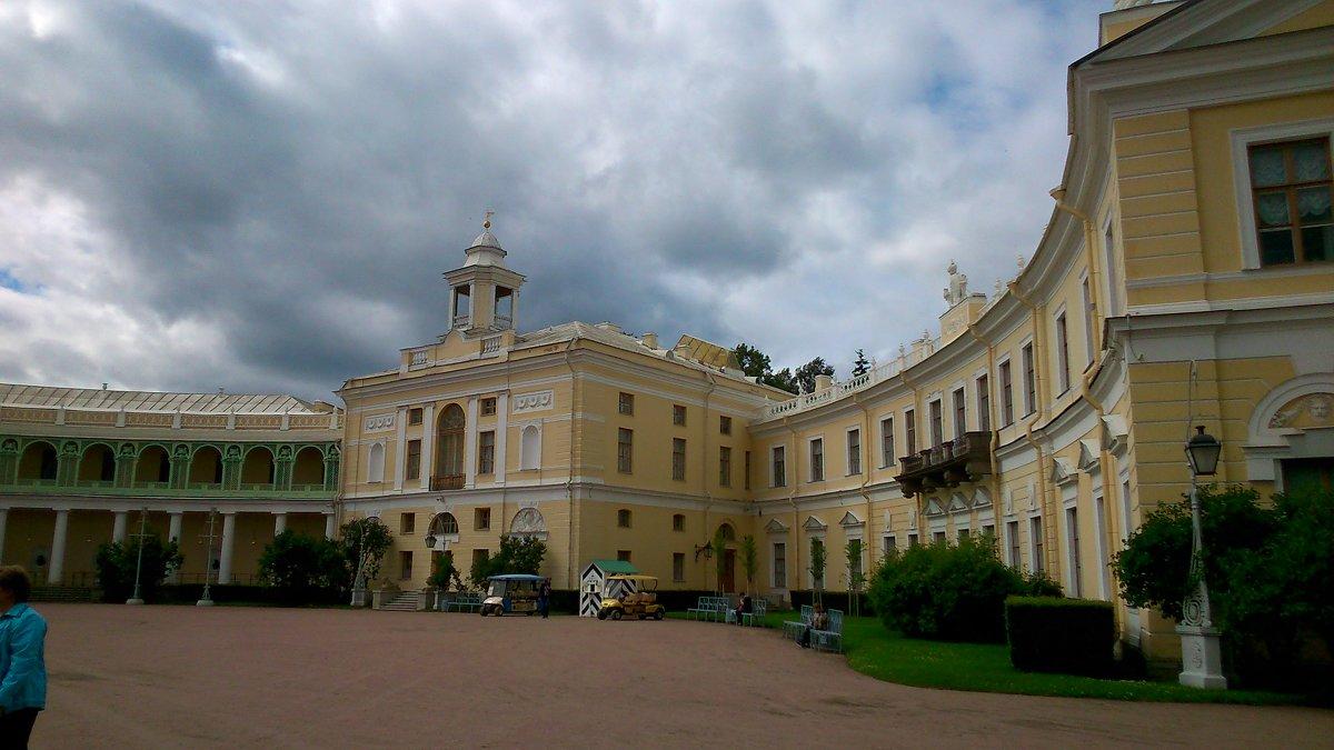 Дворец - ЕЛЕНА СОКОЛЬНИКОВА