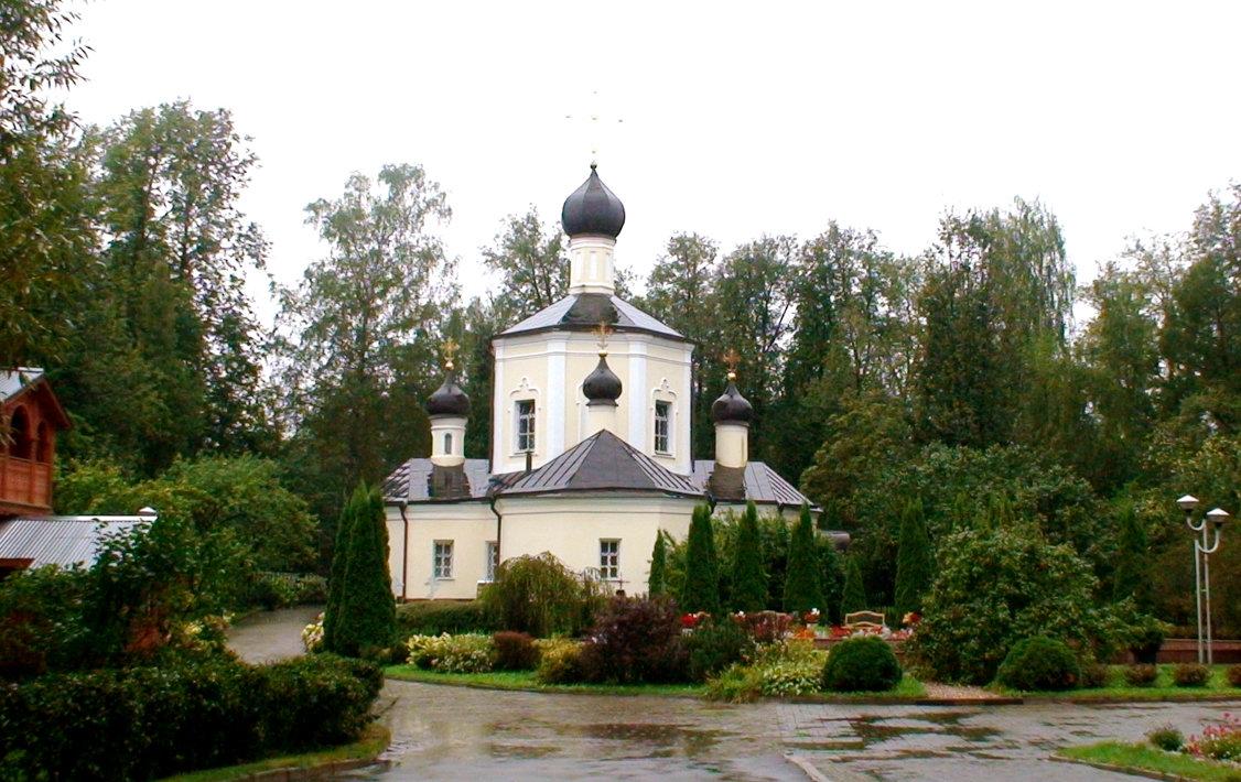 Преображенская церковь в дождь. село Юдино, Перхушково - elena manas