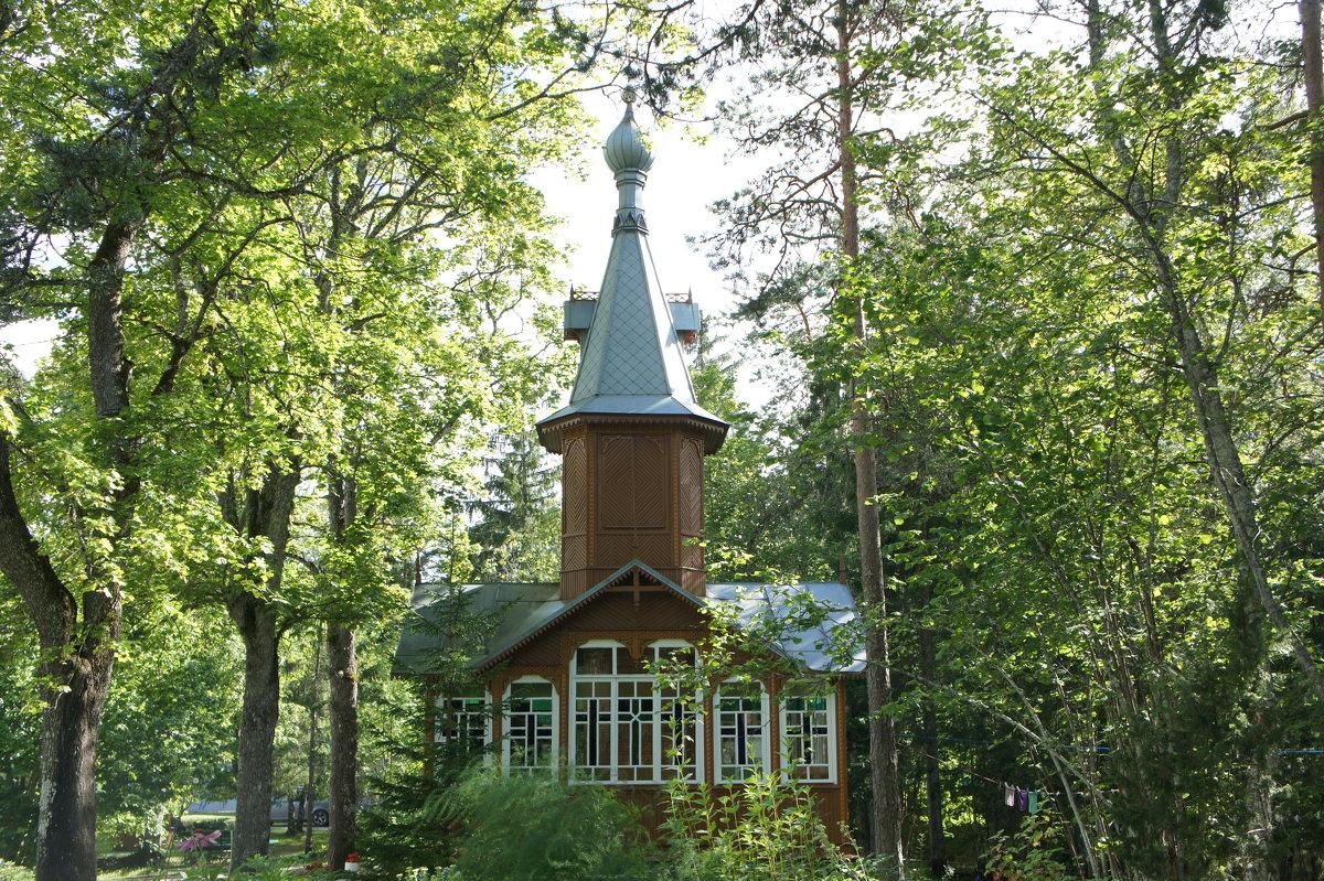 Колокольня Сергиевской церкви, построенная в 1988 году - Елена Павлова (Смолова)