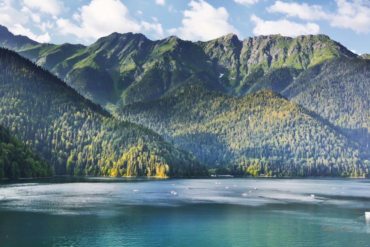 Озеро Рица - Виктор (Victor)