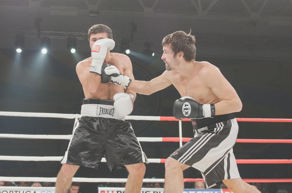 Бой за звание - Александр Колесников
