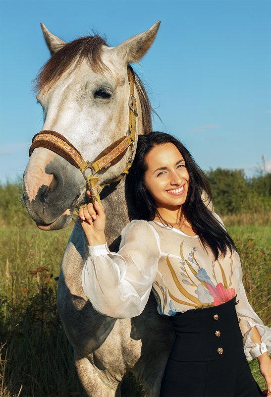"""из серии """"мы пойдем по полю с конем"""" - Мария"""
