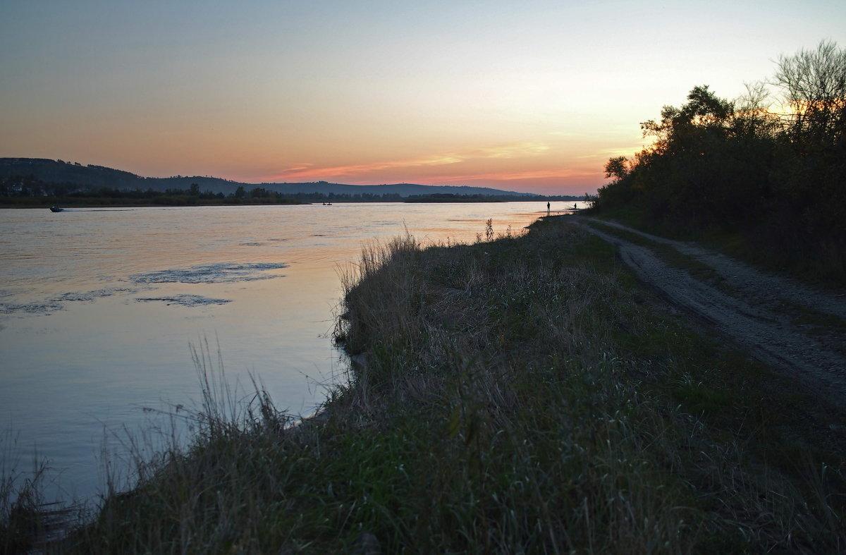 Вечером на большой реке... - Александр Попов