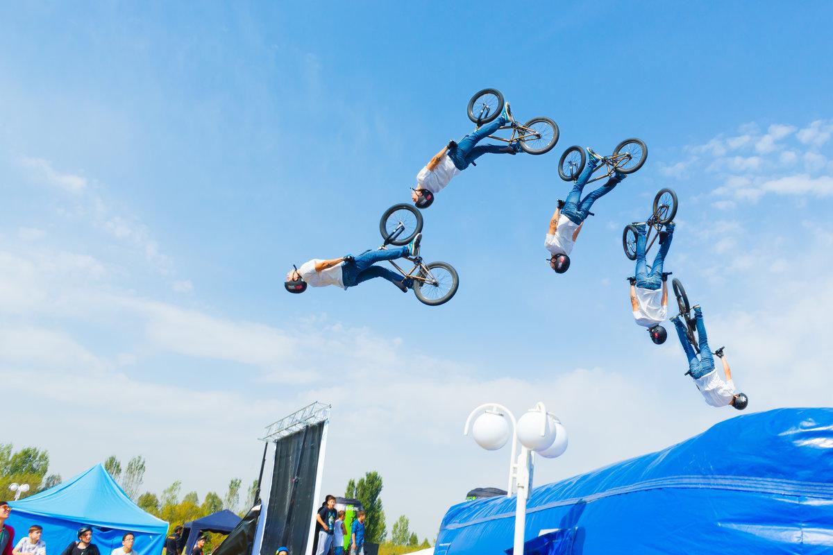 BMX джампинг - Evgeniy Akhmatov