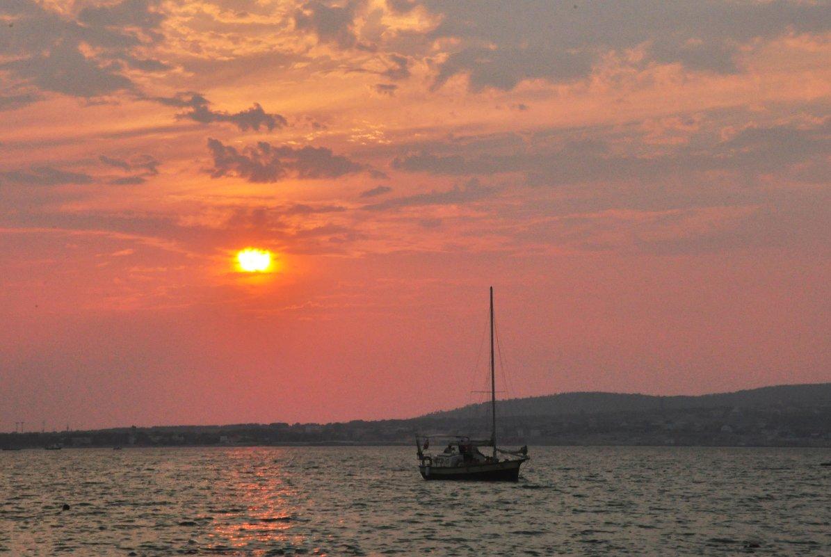вечернее море - Августа