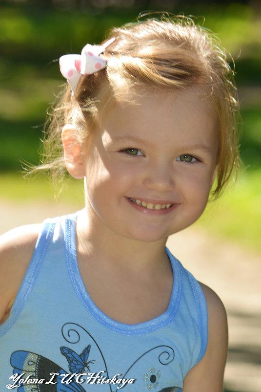 Детские улыбки - Yelena LUCHitskaya