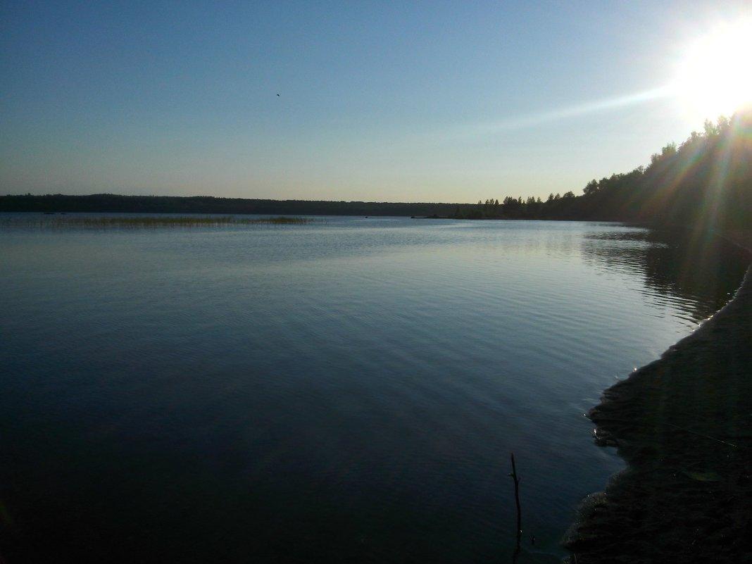 Романтичный вечер на берегу озера... - Ольга Мореходова