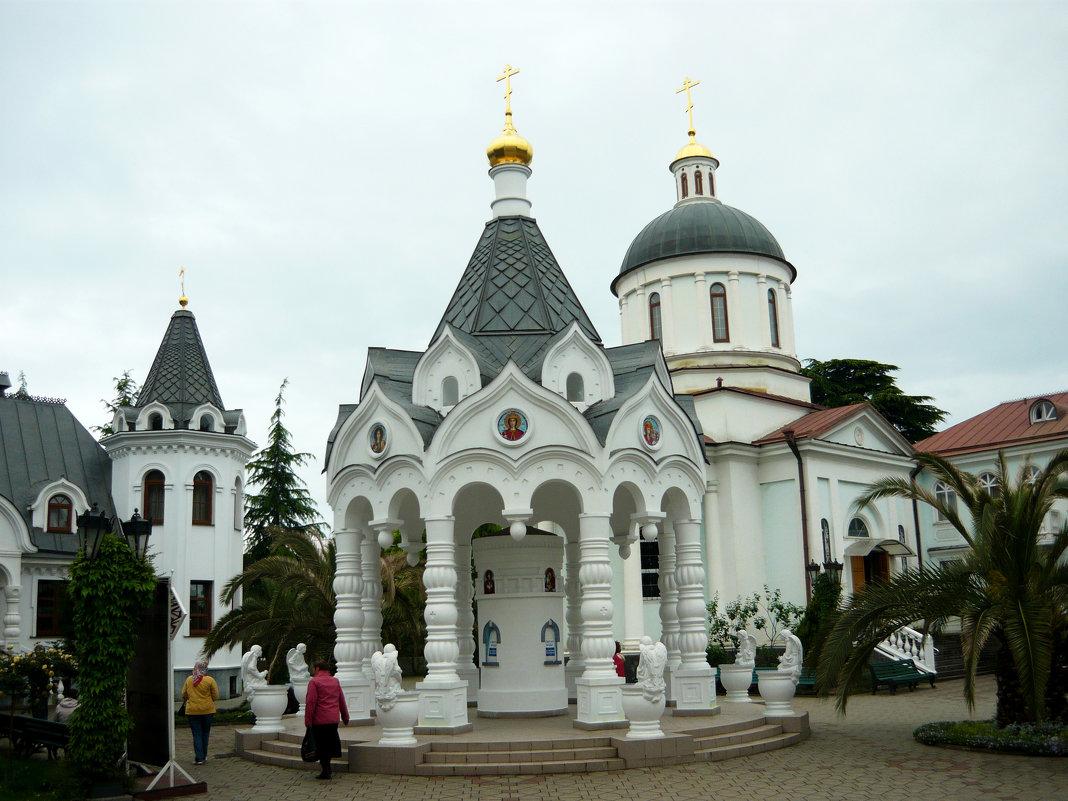 В Сочи. Храм - Надежда