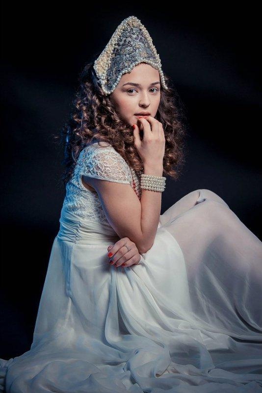 Девушка в кококшнике - Наталья Мальцева