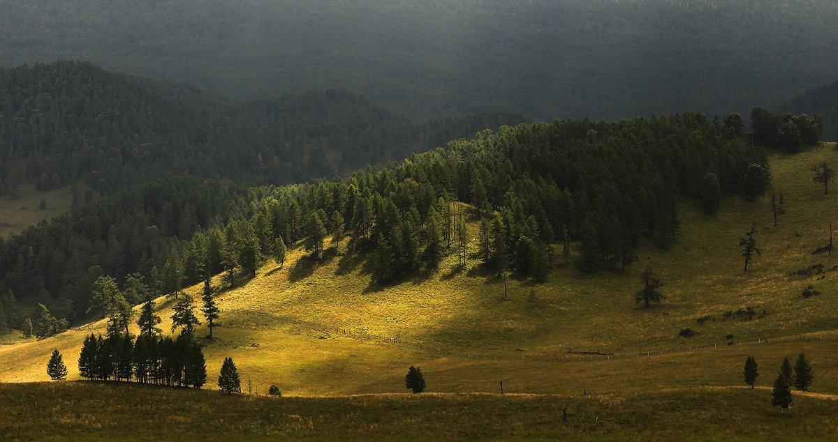 И луч дневной, горит в горах на рёбрах туч 2 - Сергей Жуков