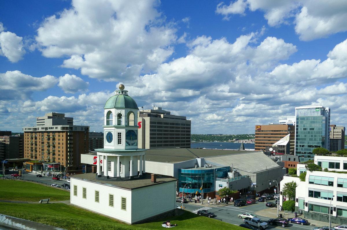 Старинные городские часы - одно из знаковых строений Галифакса (Канада) - Юрий Поляков