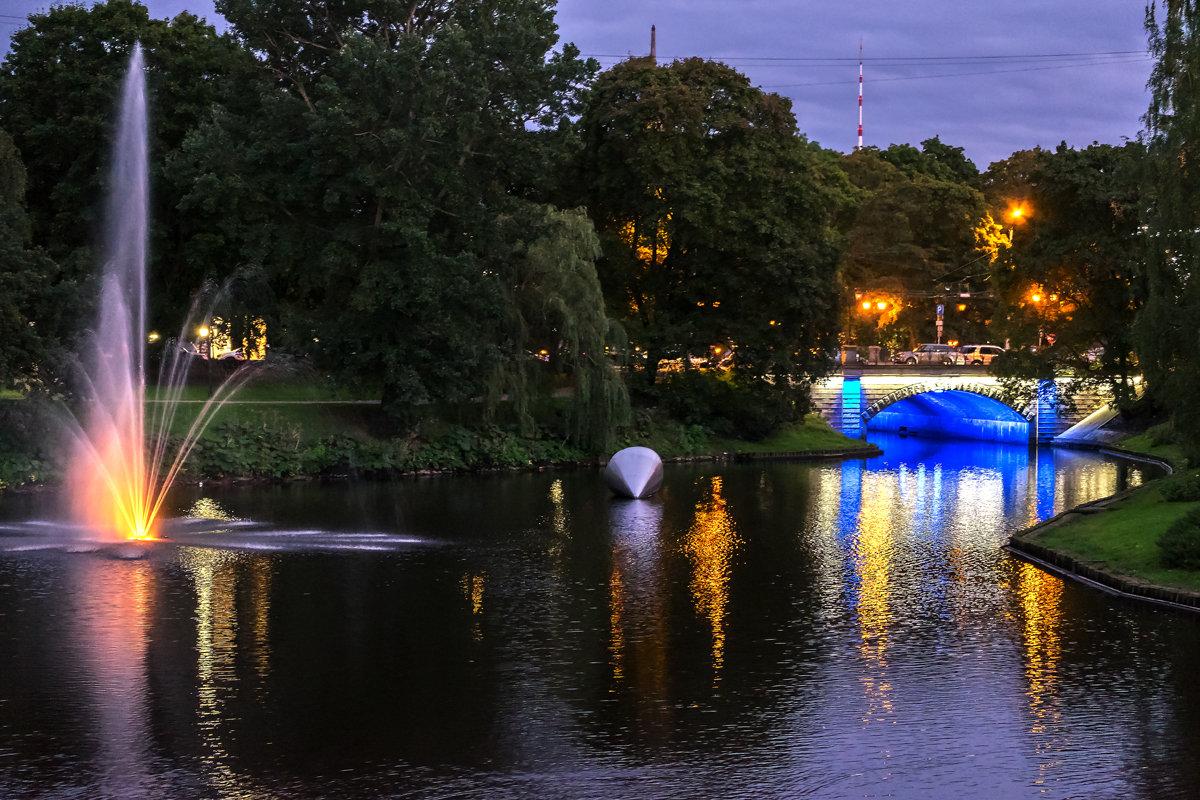 Огни вечернего города - Александр Творогов