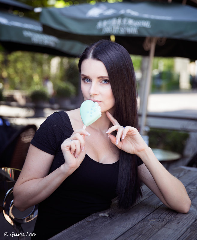 ICE CREAM GIRL - LEVAN TAVADZE
