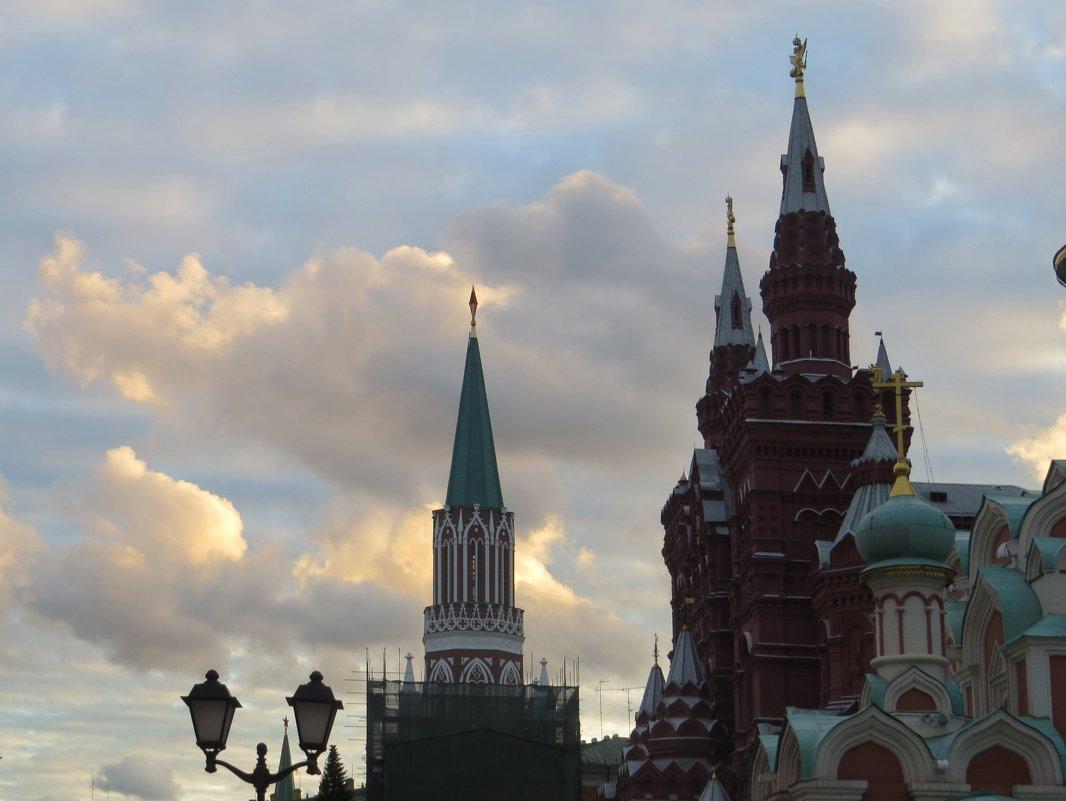 На фоне неба - Вера Щукина