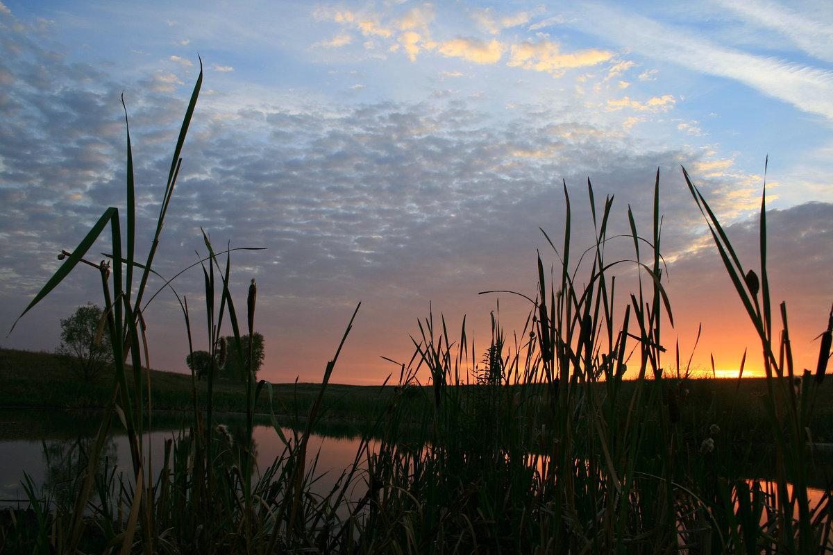 Озеро светлое, озеро чистое, гладь, тишина и покой ... - Евгений Юрков