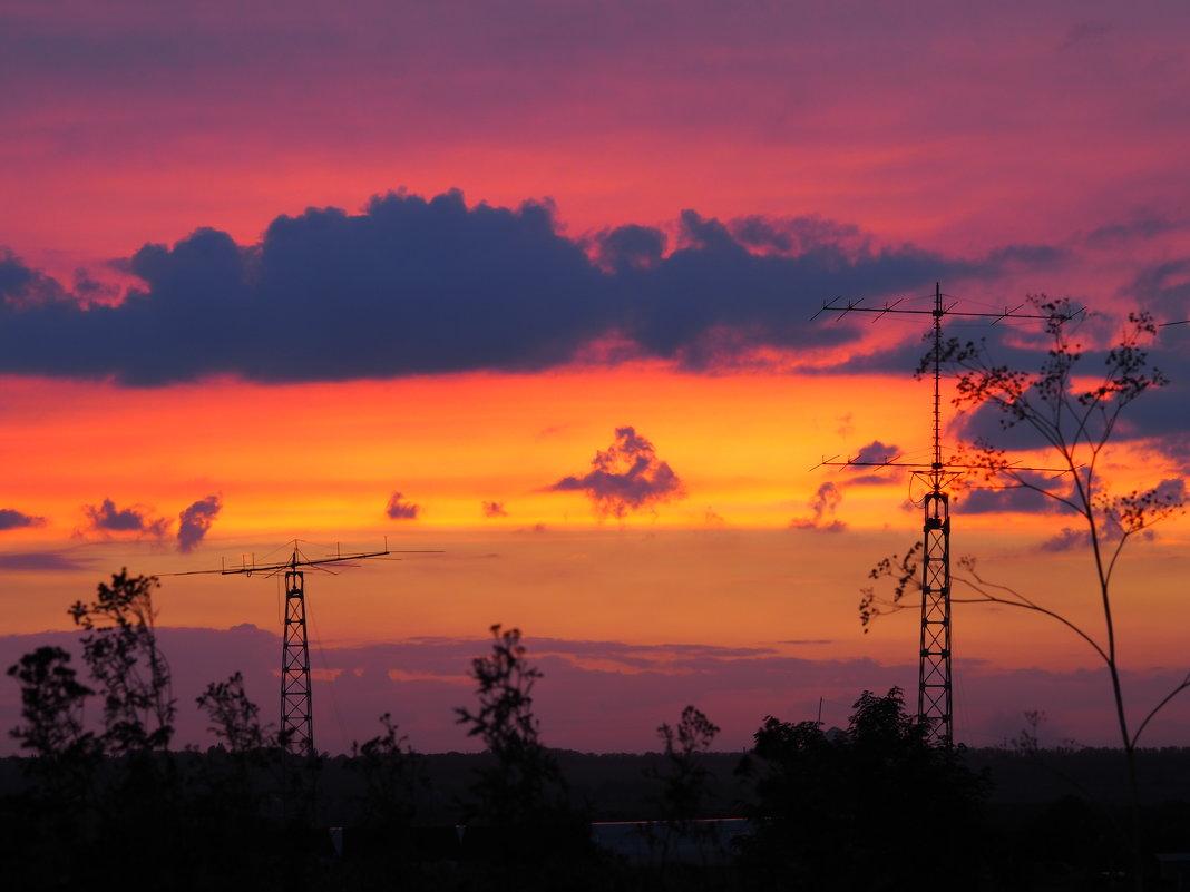 Закат радует красками - Игорь Касьяненко