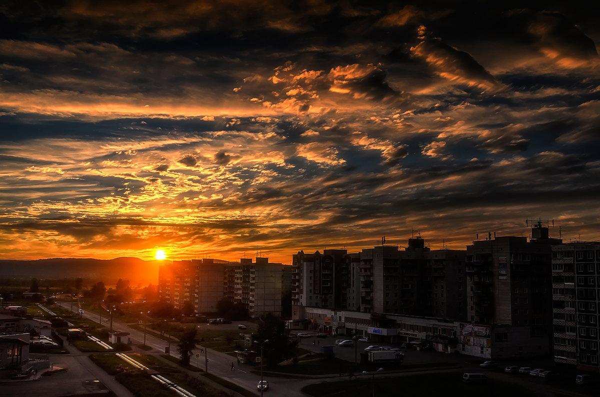 Солнышко, улица, дома. - Виктор Иванович