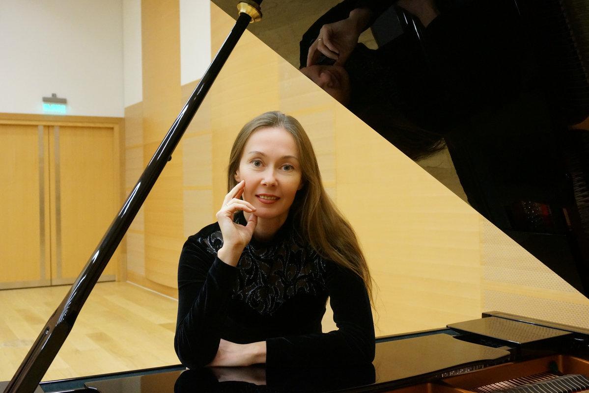 Пианистка - Viacheslav Kruglik