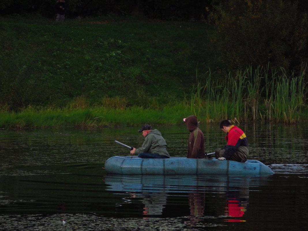 Трое в лодке - Андрей Лукьянов