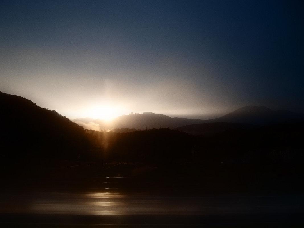 ...и солнце садилось - Лара Leila