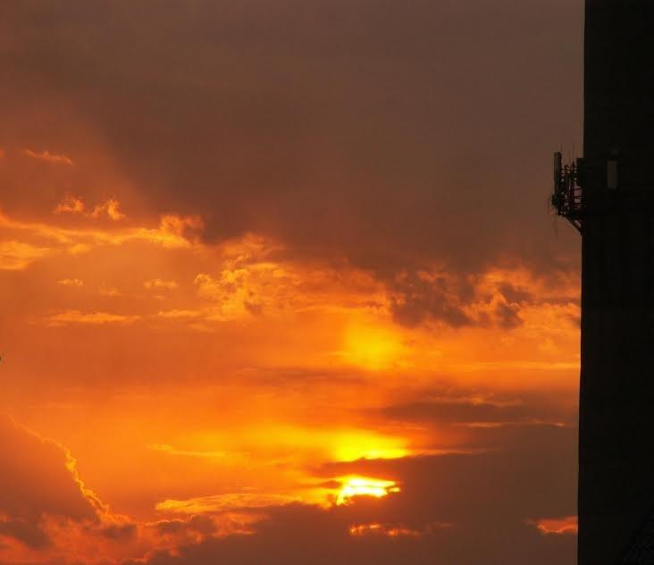 Африканский закат в отдельно взятом сибирском городе. - - Ivolga