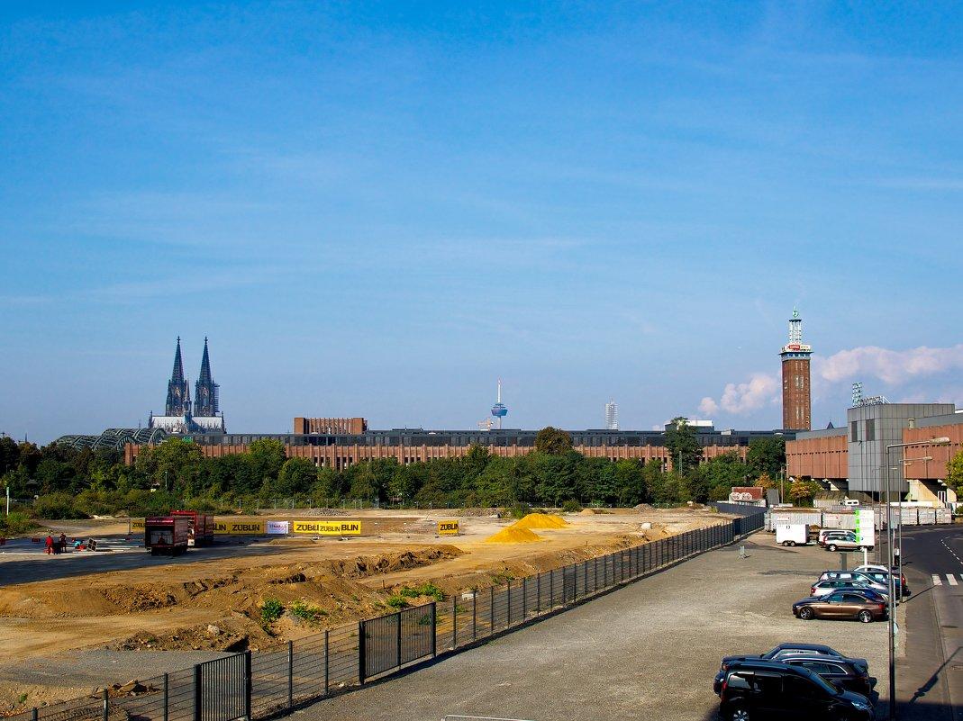 Кёльнский собор, вид от входа в выставочный комплекс! - Witalij Loewin