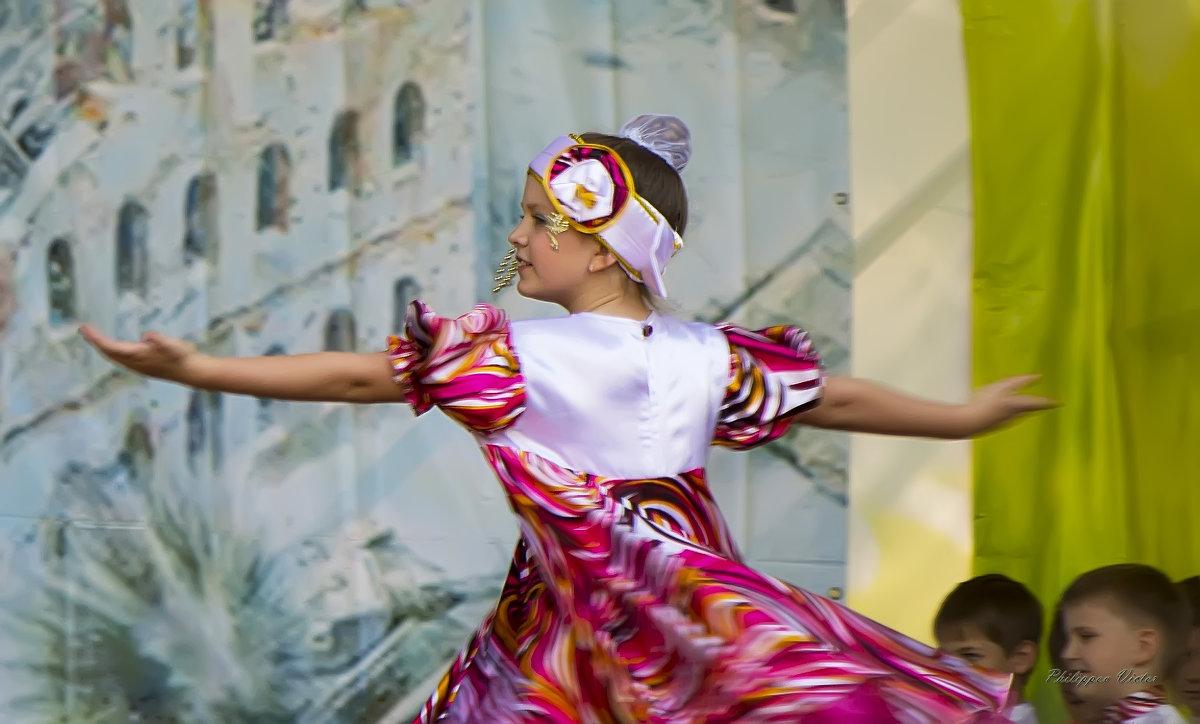 В ритме танца - Виктор Филиппов