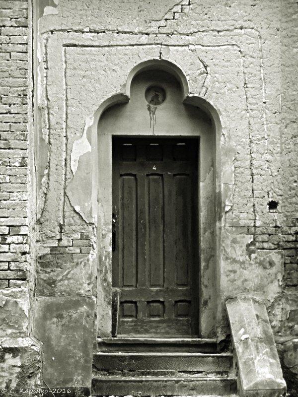 Двері в Костел Серце Ісуса - Степан Карачко