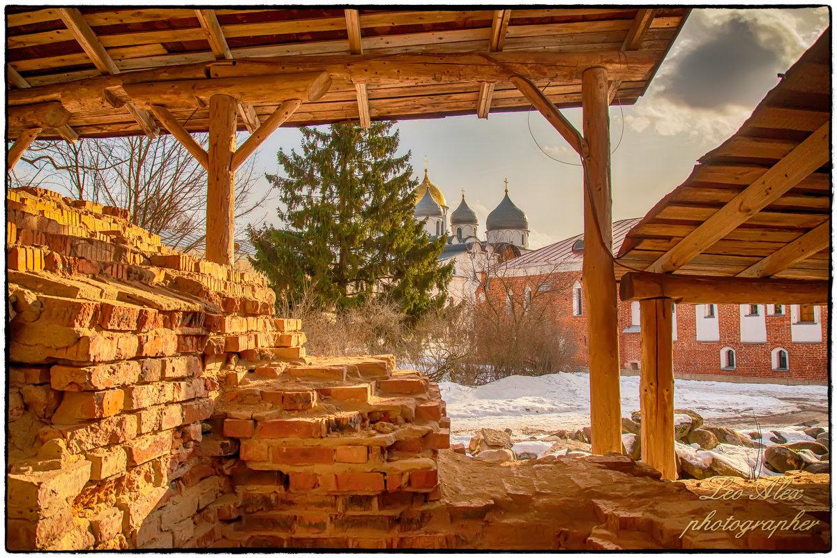 Новгород - Леонид