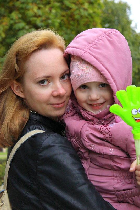 мама и дочка - Анна Шишалова