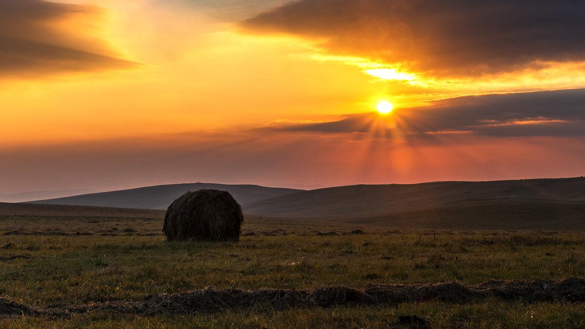 Рассвет на плато Шатджатмаз - Александр Хорошилов