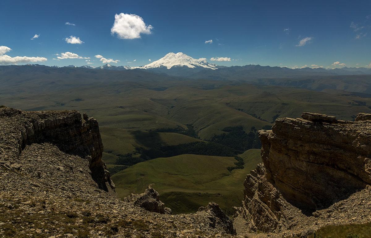 Вид на Эльбрус с плато Канжол - Александр Хорошилов