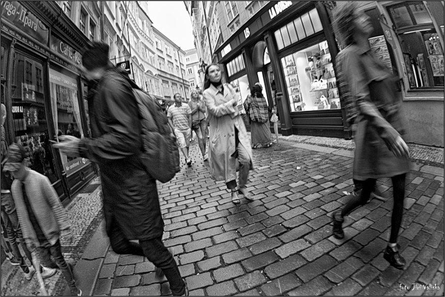 анонимность толпы - Jiří Valiska